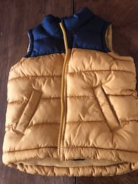 18-24 months blue and yellow old navy vest 2413 mi