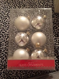 four assorted-color bauble lot Waterbury, 06708