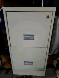 FILING CABINET WITH TWO KEYS Port Moody