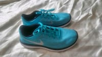 Nike shoes size 5.5y or 7 women's Manteca, 95336