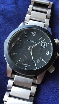 Round black electric california analog watch with link band Langley, V2Z 2L6