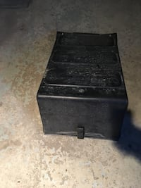 Battery cover for trucks Montréal, H1H 5C1