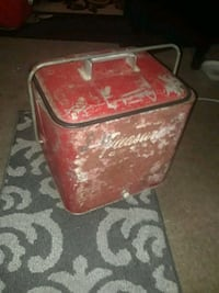 very vintage ice chest from the 1950s perfect working condition