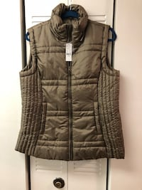 New York and company Sz L vest. With tags! Nashville, 37205