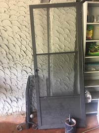 Glass/screen door