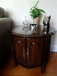 Side table  Barrie, L4M 2A1