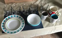 Corelle dish Set 4 bowls 4 saucers and 4 plates No chips or cracks extra mugs Welland
