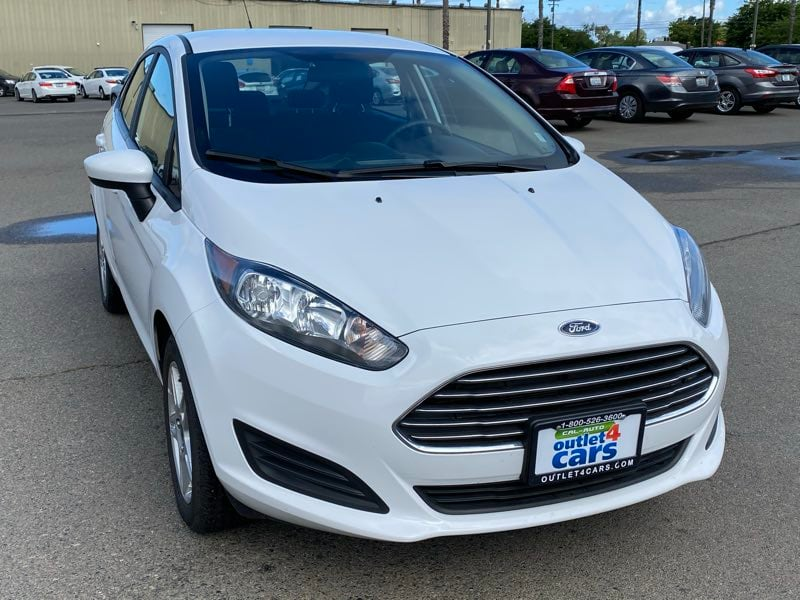 2018 Ford Fiesta SE sedan Oxford White !!! 13