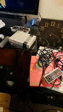 Old school nintendo over 600 games in one console