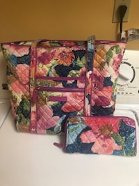 Vera Bradley purse and matching wallet in euc.  Coplay, 18037