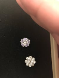 pair of silver-colored flower designed stud earrings Pickering, L1Y 0A1