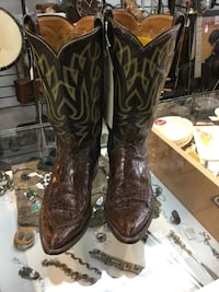 pair of brown leather cowboy boots Plano, 75093