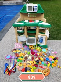 Play Kitchen *Delivery Available* Hamilton, L9H 5N7