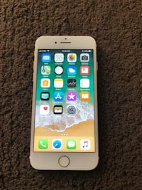 AT&T iphone 7 128GB Gold Great condition Long Beach, 90815