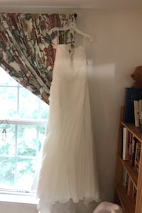 Size 12 strapless chiffon wedding dress with tags - never worn Fairfax, 22030