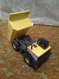 Tonka toy dump truck (working bed) Amarillo, 79102