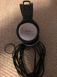 Black and gray bose corded headphones Lethbridge, T1J
