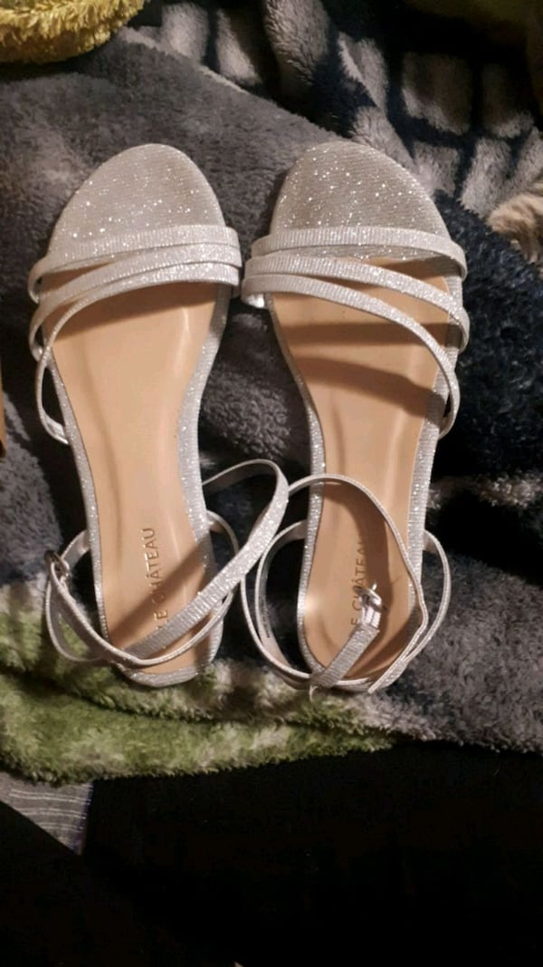 Size 7 only worn once  50d448d4-3146-4abb-a2d9-44e9282fa376
