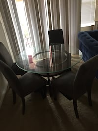 Glass dinning room table  Windsor Mill, 21244