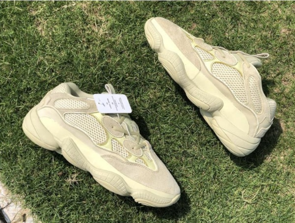 9fe4b4a65 Brukt Cheap adidas Yeezy 500 Desert Rat Super Moon Yellow DB2966 til salgs  i 纽约