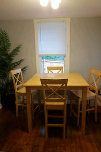 Counter height table and 4 chairs Purcellville, 20132