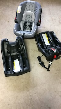 black and gray car seat carrier Grimsby, L3M 5H3