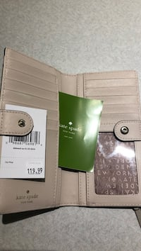 Brand New Kate spade Wallet beige white with price tag Vancouver, V5R 5H3