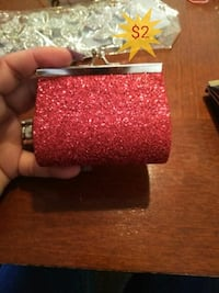 red glittered coin purse Las Vegas, 89121