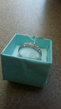 18kgp ring new size 8 with zirconias  Fort Worth, 76119