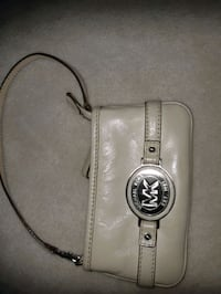 Michael Kors wristlet great shape