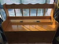 Wooden bench seat with storage  Toronto, M1P 2W1