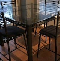 PUB HEIGHT TABLE WITH 4 CHAIRS  Barrie, L4M