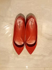Patent Red Call it Spring Shoes with Kitten Heel Surrey, V3Z