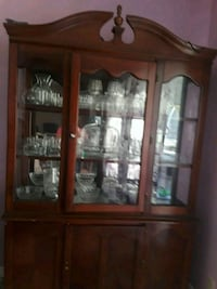 brown wooden framed glass display cabinet Moreno Valley, 92553