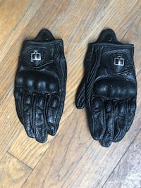 ICON women's leather gloves S Burnaby, V5H 4G3