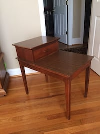 Mid-Century End Table 536 mi