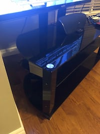 """Tv stand, tv 55"""" not included Kitchener, N2A 2G5"""