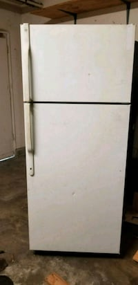 white top-mount refrigerator Anaheim, 92801