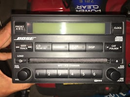 Bose Double DIN  Factory Stereo 6 CD changer player