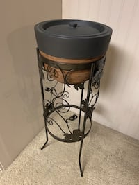 FIRE POT ON A LARGE STAND