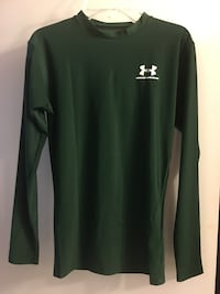 Under Armour Heat Gear - DARK GREEN - Size M - only used once - bought for $34.99 - pickup in Aiea across old Toys r Us Aiea, 96701
