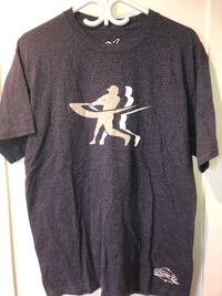 Navy blue barrel up tee size large Calgary, T3H 4Z5