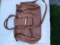 Ladies hand bag in good quality Surrey, V3X 2J4