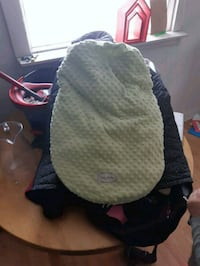 Green carseat cover. Warm  2136 km