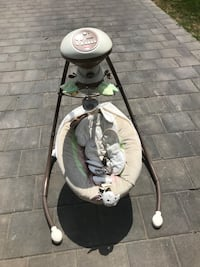 baby's gray and white cradle and swing Strathroy-Caradoc