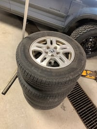 2002 Honda CR-V rims and tire