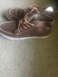 Size 13 brown wallabee boots Los Angeles, 90007