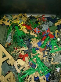 Box Full of Small Army Men  Manchester, 17345