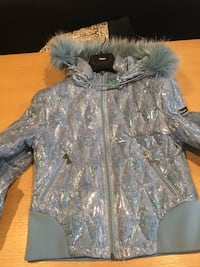 Down Jacket New size small Dollard-des-Ormeaux, H9G 2Y1
