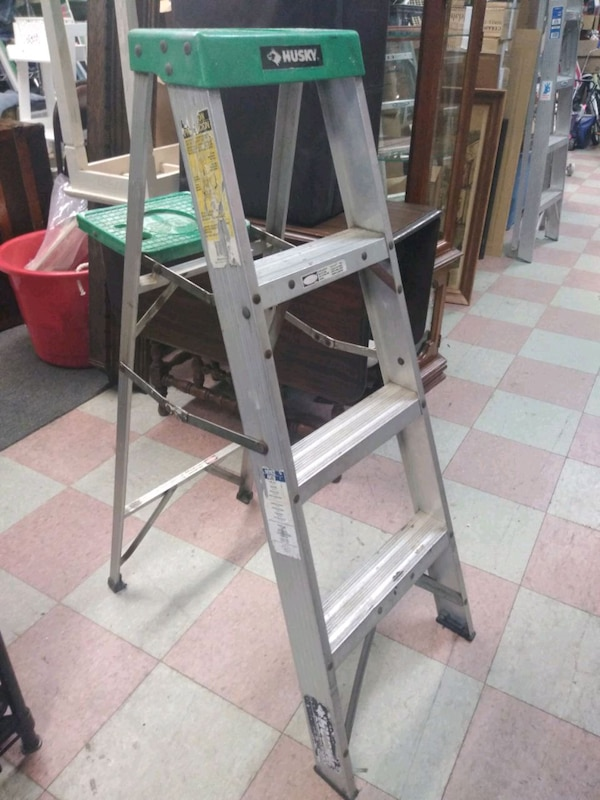Awe Inspiring 4 Foot Aluminum Husky Ladder Caraccident5 Cool Chair Designs And Ideas Caraccident5Info